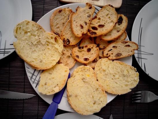 Pan de maíz, pan de pasas
